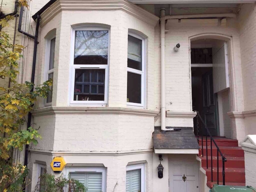 1 bedroom ground floor flat situated close to West Hampstead Tube Station