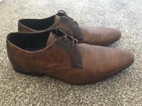 Burton Size 7 Mens Shoes