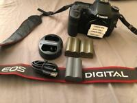 Canon EOS 40D Low Shutter + 3 batteries Digital SLR Camera