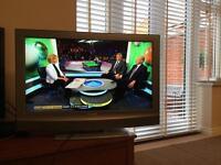 "32"" 730p LCD Colour TV"