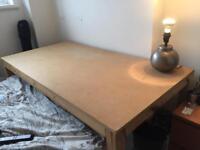 Desk/ adjustable shelf