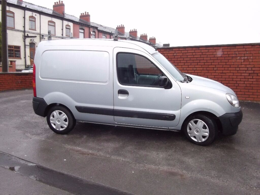 silver renault kangoo 2007 sl17 1 5 tdci 70 mot 01 03 2018 serviced 18 02 2017 in bolton. Black Bedroom Furniture Sets. Home Design Ideas