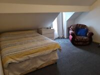 Spacious double loft style studio in Walsall, with low upfront costs. Couples Welcome