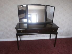 Stag Minstral Mahogany Dressing Table with triple mirror vgc £20