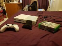 Xbox one s, 4 games and controller