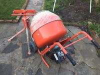 Concrete Mixer 240v only used for one extension / arc welder