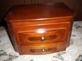 wooden jewellrey box