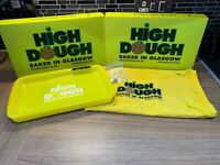 High Dough glow tray with built in grinding plate. Lights up in 7 colours comes with charger, bag.