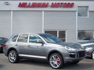 2008 Porsche Cayenne TURBO 4WD / NAVIGATION / LEATHER / SUNROOF