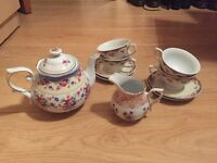 Retro shabby chic tea set BNWT Urban Outfitters
