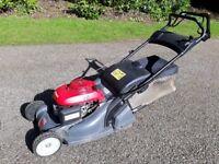 Honda HRX476QXE self propelled lawnmower.