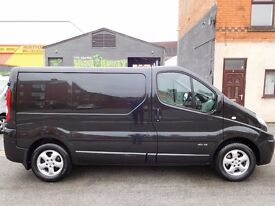 Finance me.. Renault Trafic swb sportive in Panther black. 1 owner from new with Leather seats (23)