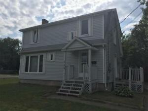125 WEDGEWOOD - 3 BEDROOM HOUSE DOWNTOWN RIVERVIEW