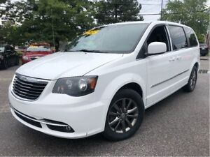 2014 Chrysler Town & Country S NAV LEATHER/CLOTH TV/DVD RARE S M