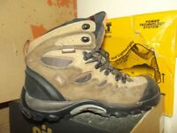 LOW PRICE ON WORKWEAR CLOTHING AND SAFETY BOOTS! WORKWEAR CLEARANCE-DEWALT-HYENA-SITE