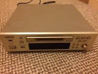 Denon M30 Mini disc player and speakers