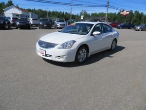 2012 Nissan Altima 2.5L LEATHER, SUNROOF, BOSE SOUND SYSTEM!