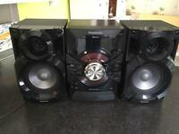 Black Panasonic Bluetooth MP3 CD Music Centre with Remote Control and Speakers