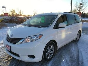 2014 Toyota Sienna LE, TOYOTA CERTIFIED and SUPER CLEAN!