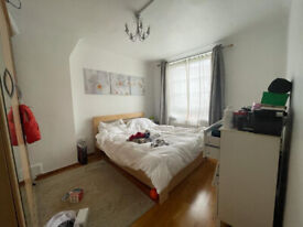 DSS Welcome with Guarantor*** Lovely 1 bedroom flat next to Borough / London Bridge Station, SE1