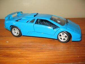 1994 Lamborghini Diablo bleue