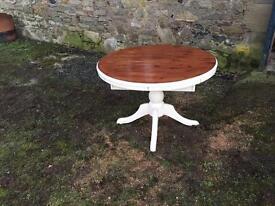 Circular table - extendable