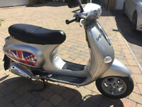 Piaggio Vespa ET4 125cc electric start twist and go!