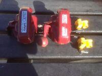 2 x alco hitch locks and 2x leg locks. both with keys