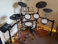 Yamaha DTX750 electronic drum kit with KP 100 bass drum