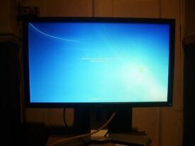 """Dell E2213HB 22"""" WideScreen Screen 1680 x 1050 Resolution with stand"""