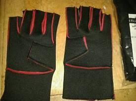 Neoprene fingerless gloves