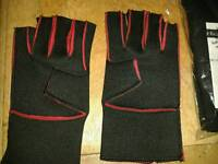 Neoprene fingerless gloves