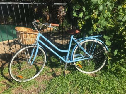 Ladies Womens Retro Classic  Reid's Vintage bike - baby Blue