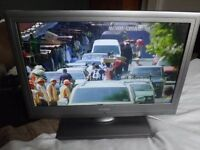 Linsar 19LED906T 19 -inch LCD TV With DVD Player