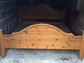 Good Condition Wooden Bed 7/6.5