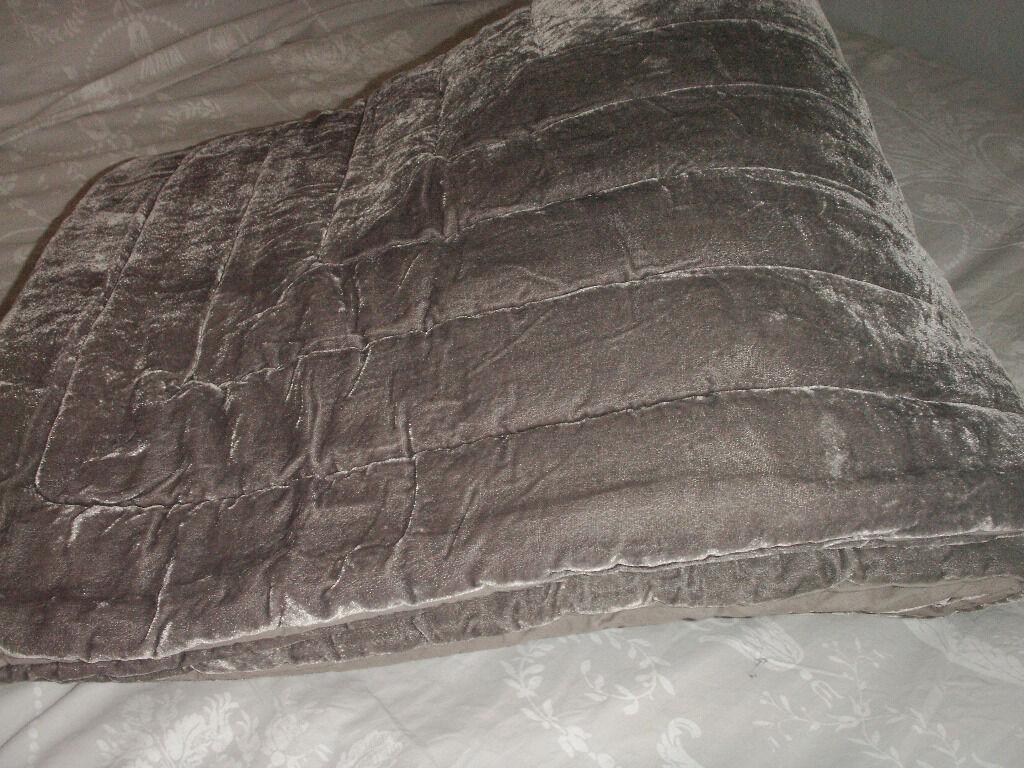 Laura Ashley Double Size Louise Silver Grey Velvet Quilt