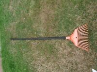 Light Weight Plastic Rake with Wooden Handle