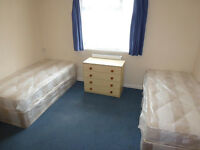 NICE TWIN ROOM TO RENT IN EAST ACTON - ZONE 2 - CENTRAL LINE