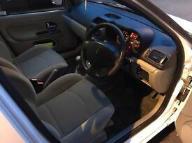 Renault clio 2004 1.6 16v URGENT!!!!!