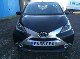 (66) Toyota AYGO 1.0 x-play vvt-i ,only 7,000 miles ,1 owner from new ,clio,corsa,jazz,fiesta,c1,108
