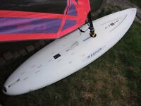 BEGINNERS WINDSURFING RIG HIFLY MAGNUM WIDESTYLE BOARD WITH 3.5 LEARNERS SAIL ALL GOOD CONDITION