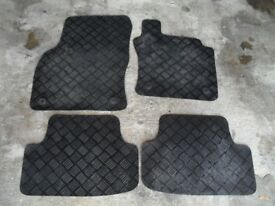 Genuine full set of tailored black rubber car mats to fit vw golf mk7
