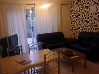 Roehampton Twin Room for 2 Friends in House Share Avail Now
