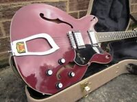 Hagstrom Viking semi acoustic electric guitar + Original hard case.