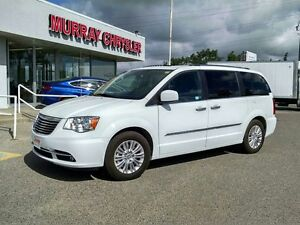2015 Chrysler Town  Country Wgn Premium *Nav* *DVD* *Heated Seat