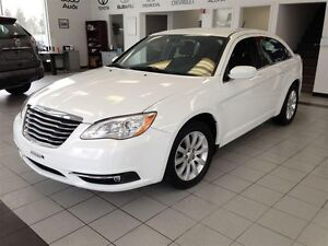 2012 Chrysler 200 Touring V6 32 000 KM !!
