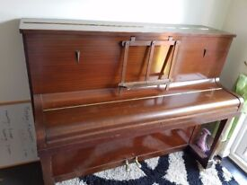 An good brand piano for quick sale