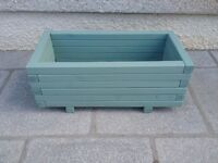 LARGE WOODEN GARDEN PLANTER 0.8 x 0.4 x 0.32m PATIO OR DECKING FLOWERS OR VEGETABLES ECT.