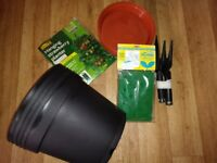 Selection of large pots,tools etc-job lot