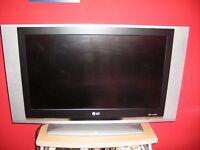 32 inch LG TV LCD
